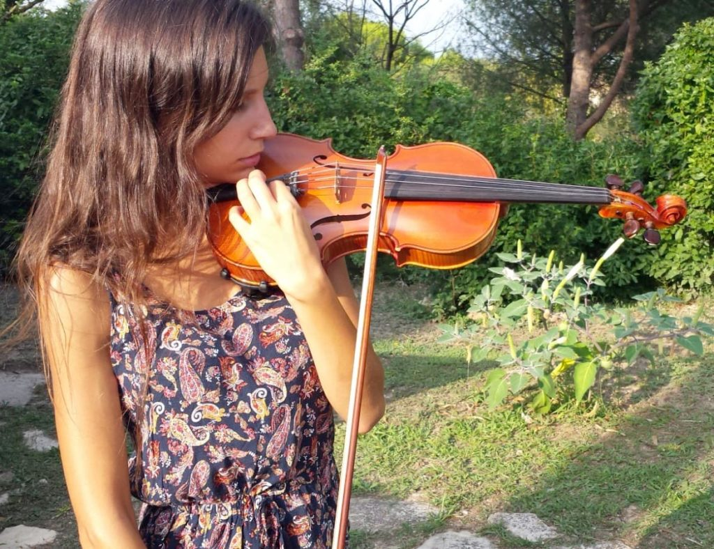 afinar un violín
